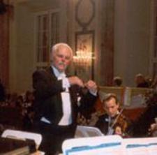 Wolfgang Ortner dirigiert